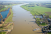 Nederland, Gelderland, Culemborg, 11-02-2008; kribdammen (of kribben) in de Lek ten Oosten van Culemborg vergroten de bevaarbaarheid van de rivier; veerpont in de voorgrond (kabelpont), boven de pont een jachthaven; meander, kronkel, navigatie, foto richting Wijk bij Duurstede..luchtfoto (toeslag); aerial photo (additional fee required); .foto Siebe Swart / photo Siebe Swart