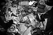 Javier Calvelo/ URUGUAY/ MONTEVIDEO/ Rural del Prado/ 89&ordf; &ldquo;Semana Criolla&rdquo; en Montevideo  evento organizado por la Intendencia Municipal de Montevideo desde el a&ntilde;o 1925. Es una de las festividades m&aacute;s importantes del calendario tur&iacute;stico uruguayo, acercando la cultura &ldquo;gauchesca&rdquo; y la tradici&oacute;n del campo a la capital.<br /> Se trata del mayor ruedo del pa&iacute;s, donde si bien el eje central es el &ldquo;Concurso de Jineteadas&rdquo;, tambi&eacute;n tienen lugar otras manifestaciones culturales como espect&aacute;culos folcl&oacute;ricos, carpas informativas, juegos infantiles y una amplia oferta gastron&oacute;mica.<br /> Durante nueve d&iacute;as se destaca la figura del gaucho y las costumbres camperas con una muestra agr&iacute;cola ganadera, pruebas de rienda y el tradicional &ldquo;Concurso de Jineteadas&rdquo; en las categor&iacute;as pelo, basto, internacional en pelo y basto argentino.<br /> En la entrada decenas de puestos partidarios reparten sus listas de cara a las elecciones internas de Junio. <br /> En la foto:   Desechos de listas en la &ldquo;Semana Criolla&rdquo; en Montevideo. Foto: Javier Calvelo /adhocFotos <br /> 20140415  dia martes<br /> adhocFotos