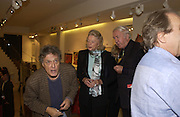 Tom Stoppard, Sonia and Andrew Sinclair. Gerald Scarfe Book launch and exhibition. Fine art Society. New Bond St. London. 3 November 2005. . ONE TIME USE ONLY - DO NOT ARCHIVE © Copyright Photograph by Dafydd Jones 66 Stockwell Park Rd. London SW9 0DA Tel 020 7733 0108 www.dafjones.com