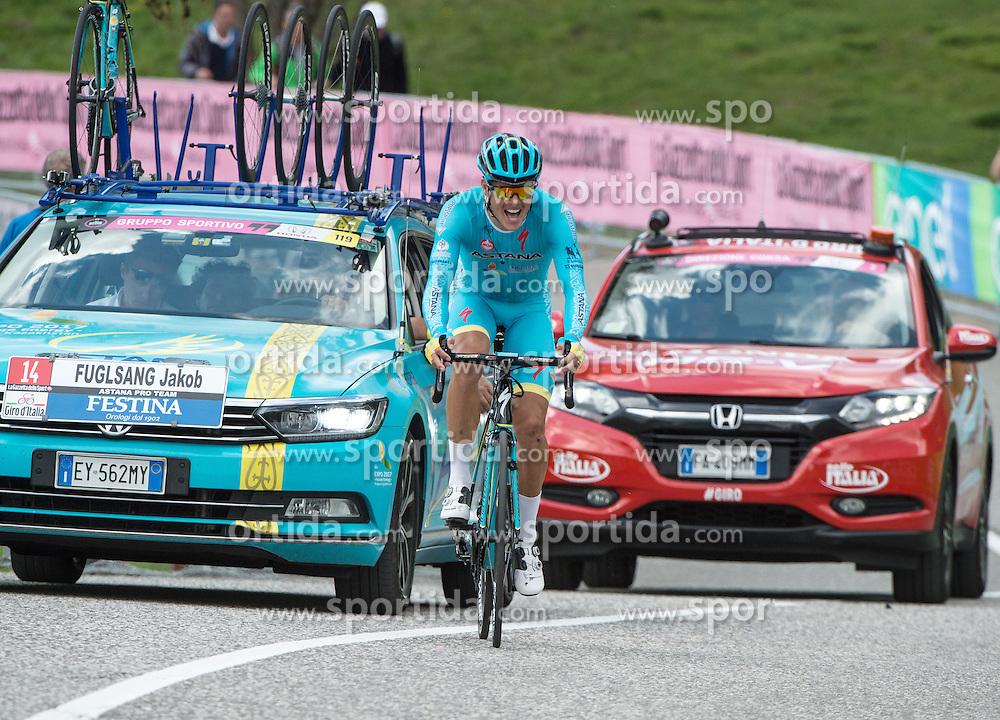 22.05.2016, Kastelruth nach Seiseralm, ITA, Giro d Italia 2016, 15. Etappe, im Bild Jakob Fuglsang (DEN, Astana Pro Team) // during 15th Stage, from Castelrotto to Alpe di Siusi of the Giro d Italia at. in Kastelruth nach Seiseralm, Italy on 2016/05/22. EXPA Pictures © 2016, PhotoCredit: EXPA/ Reinhard Eisenbauer