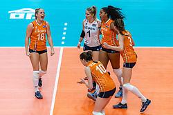 20-10-2018 JPN: Final World Championship Volleyball Women day 18, Yokohama<br /> China - Netherlands 3-0 / Marrit Jasper #18 of Netherlands, Kirsten Knip #1 of Netherlands, Celeste Plak #4 of Netherlands