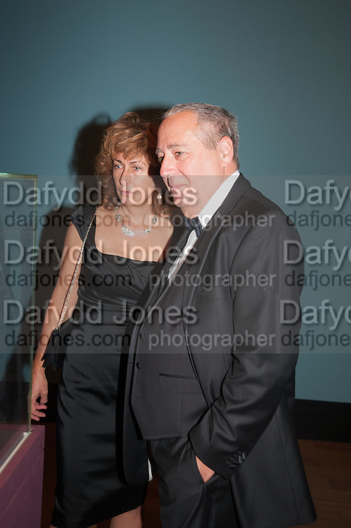 DEBRA WEISS; MARK WEISS;, Mark Weiss dinner, Nationaal Portrait Gallery. London. 15 October 2012.