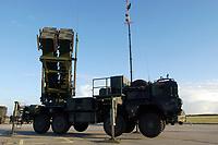 03 NOV 2003, LAAGE/GERMANY:<br /> Flugabwehrraktenesystem Patriot der Bundeswehr, Fliegerhorst Laage<br /> IMAGE: 20031103-01-068<br /> KEYWORDS: Luftwaffe, Bundesluftwaffe, Flugabwehr, Raketen, Waffensystem