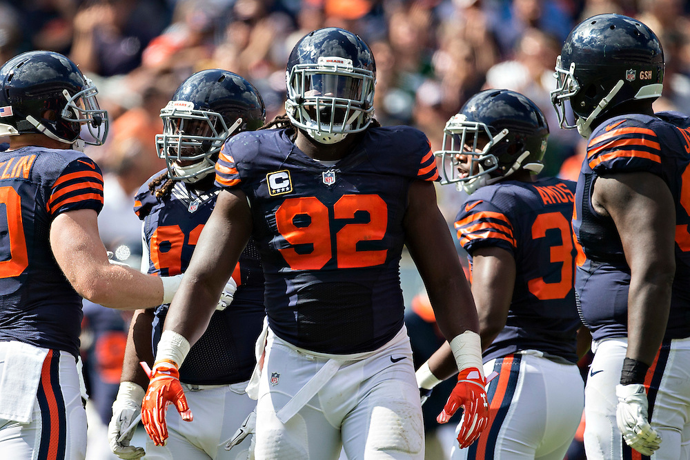CHICAGO, IL - SEPTEMBER 13:  Pernell McPhee #92 of the Chicago Bears on the field during a time out against the Green Bay Packers at Soldier Field on September 13, 2015 in Chicago, Illinois.  The Packers defeated the Bears 31-23.  (Photo by Wesley Hitt/Getty Images) *** Local Caption *** Pernell McPhee