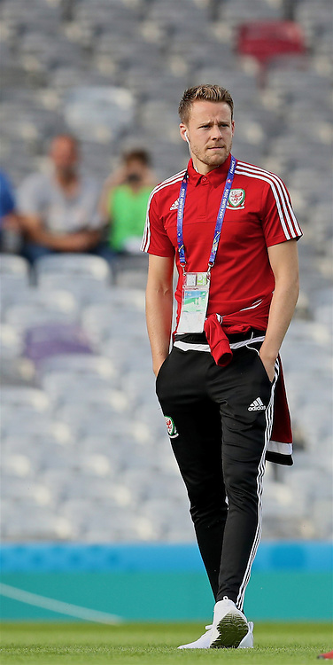 TOULOUSE, FRANCE - Monday, June 20, 2016: Wales' Chris Gunter inspects the pitch before the final Group B UEFA Euro 2016 Championship match against Russia at Stadium de Toulouse. (Pic by David Rawcliffe/Propaganda)