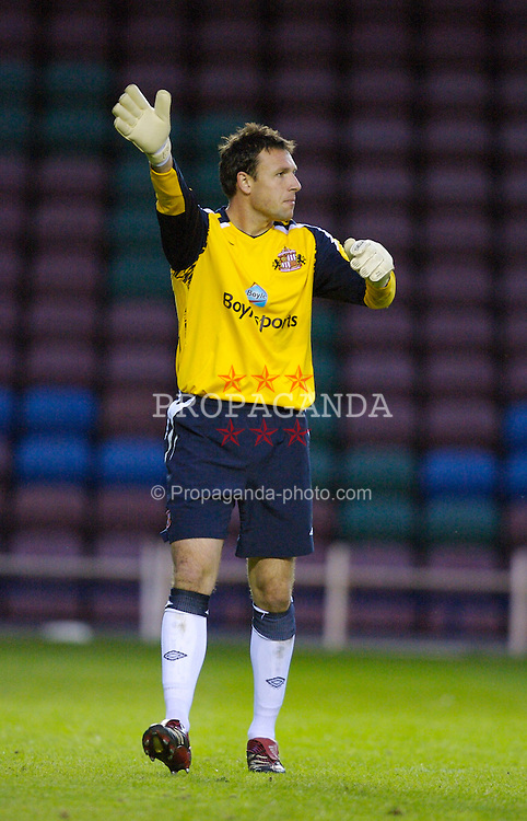 Widnes, England - Tuesday, September 4, 2007: Sunderland's goalkeeper Darren Ward in action against Everton during the Premier League Reserve match at the Halton Stadium. (Photo by Zaneta Kukucova/Propaganda)