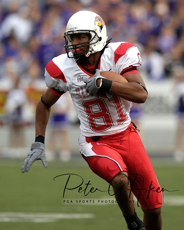 Illinois State wide receiver Laurent Robinson rushes up field against Kansas State at Bill Snyder Family Stadium in Manhattan, Kansas, September 2, 2006.  The Wildcats beat the Redbirds 24-23.