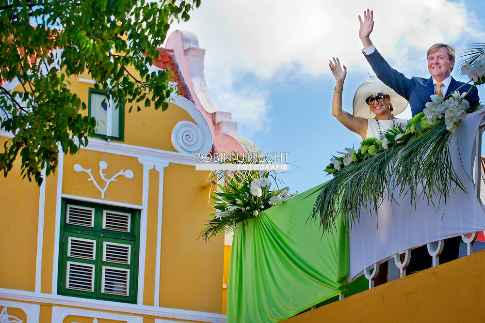 King Willem-Alexander and Queen Maxima of The Netherlands during an official welcome ceremony at the governor square and visit to the resident of the governor and prime minister at Fort Amsterdam in Willemstad, Curacao, 18 November 2013. King Willem-Alexander and Queen Maxima visit the caribbean part of the Kingdom from 12 till 21 November.  COPYRIGHT ROBIN UTRECHT