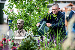 To mark it's centenary, the Commonwealth War Graves Commision has teamed up with Glen Art and the Wilfred Owen Association to create a remembrance garden at the annual Gardening Scotland event. Volunteer and ex soldier <br /> <br /> © Dave Johnston/ EEm