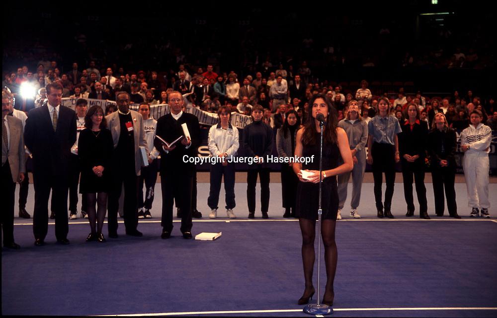 WTA Tour Championships 1996, Madison Square Garden, New York, Gabriela Sabatini (ARG) verkuendet ihren Abschied von der Profi Tour,27.10.1996.