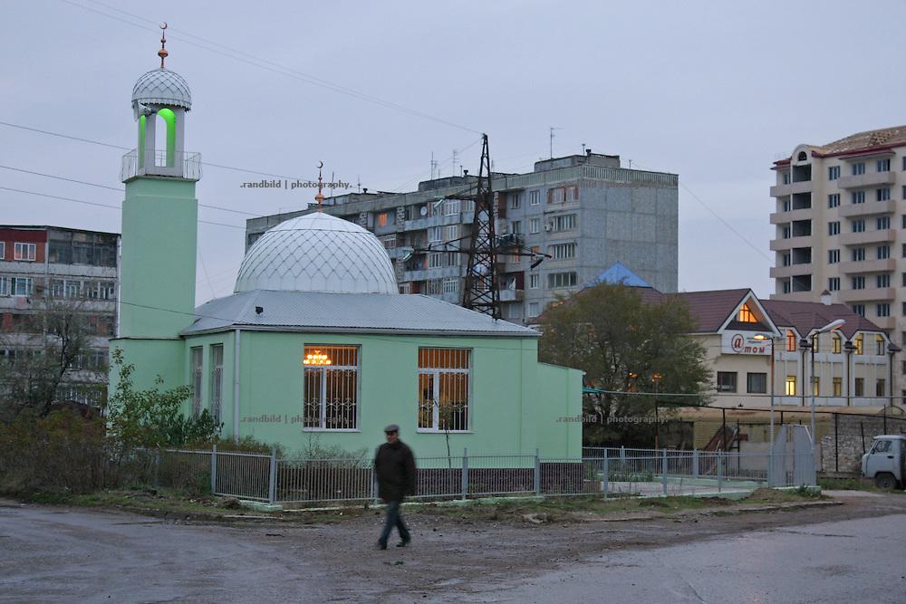 Vorortmoschee in Machatschkala, Dagestan. Outskirt mosque  in Makhachkala, Dagestan.