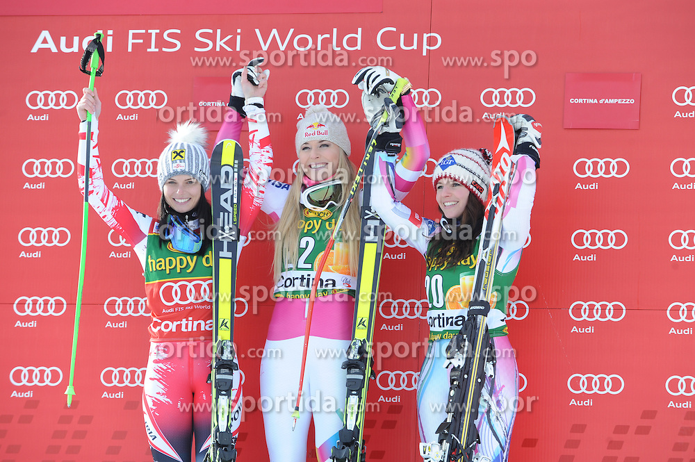 19.01.2015, Olympia delle Tofane, Cortina d Ampezzo, ITA, FIS Weltcup Ski Alpin, Super G, Damen, Siegerehrung, im Bild v.l. Anna Fenninger (AUT, 2. Platz), Lindsey Vonn (USA, 1. Platz), Tina Weirather (LIE, 3. Platz) // 2nd placed Anna Fenninger of Austria ( L ), 1st placed Lindsey Vonn of the USA ( C ), 3rd placed Tina Weirather of Lichtenstein ( R ) Celebrate on Podium during the award ceremony for the ladie's SuperG of the Cortina FIS Ski Alpine World Cup at the Olympia delle Tofane course in Cortina d Ampezzo, Italy on 2015/01/19. EXPA Pictures © 2015, PhotoCredit: EXPA/ Erich Spiess