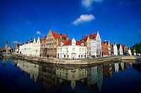 Spiegelrei (street on the canals), Brugge, Belgium
