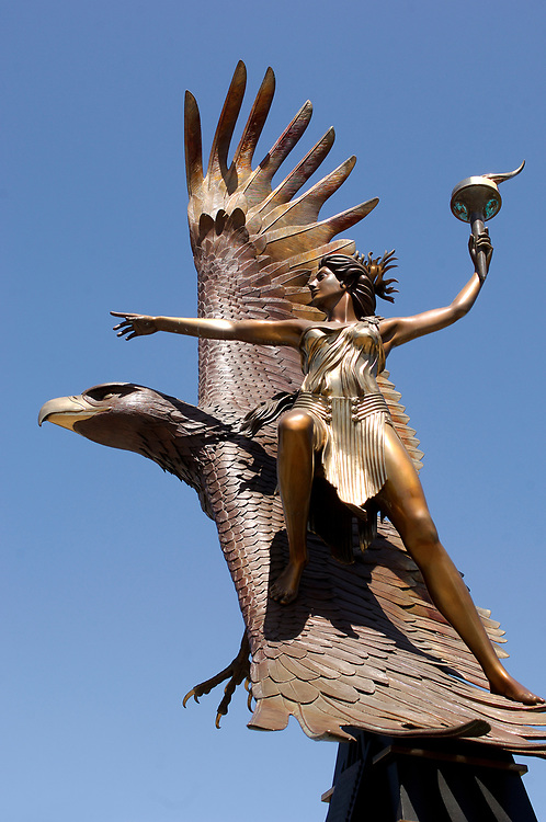 Statue at Jack London Square, Oakland, California, United States of America