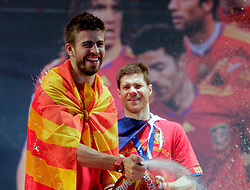 12.07.2010, Madrid, Spanien, ESP, FIFA WM 2010, Empfang des Weltmeisters in Madrid, im Bild Gerard Pique (l) and Xabi Alonso, EXPA Pictures © 2010, PhotoCredit: EXPA/ Alterphotos/ Acero / SPORTIDA PHOTO AGENCY
