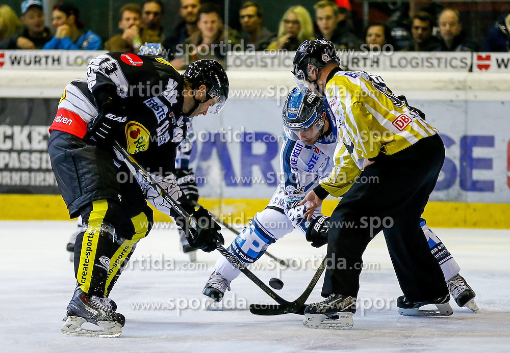 21.11.2014, Messestadion, Dornbirn, AUT, EBEL, Dornbirner EC vs EHC Liwest Black Wings Linz, 19. Runde, im Bild Zdenek Blatny, (Dornbirner EC, #13) und Mike Ouellette, (EHC Liwest Black Wings Linz, #28)// during the Erste Bank Icehockey League 19th round match between Dornbirner EC and EHC Liwest Black Wings Linz at the Messestadion in Dornbirn, Austria on 2014/11/21, EXPA Pictures © 2014, PhotoCredit: EXPA/ Peter Rinderer