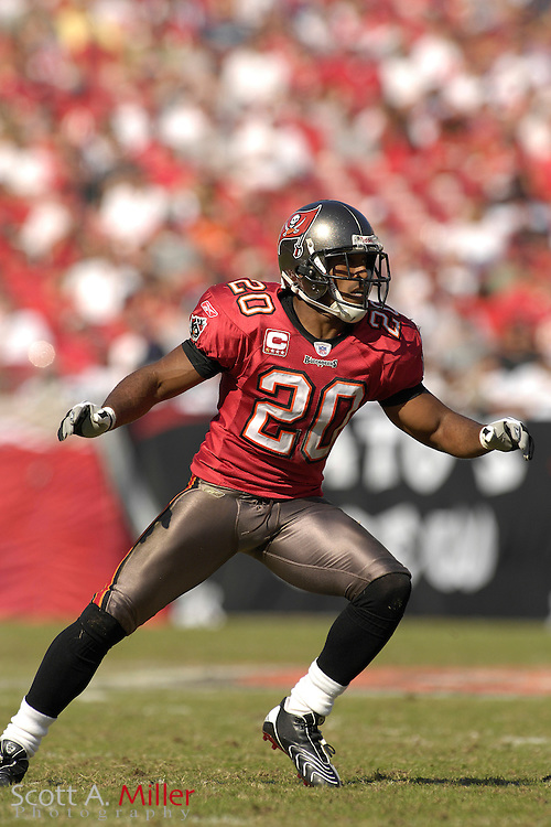 Nov. 4, 2007; Tampa, FL, USA;  Tampa Bay Buccaneers defender (20) Ronde Barber in action during the Bucs 17-10 win over the Arizona Cardinals at Raymond James Stadium. ...©2007 Scott A. Miller