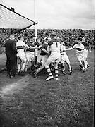 Neg no: 19/a4246-a4248..1956NFLF...00.00.1956..Meath v. Derry.FOOTBALL