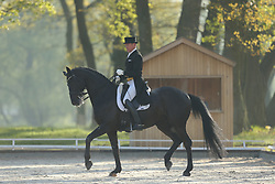 Finken, Holga, Hofgraf<br /> Redefin - Pferdefestival 2015<br /> Grand Prix de Dressage<br /> © www.sportfotos-lafrentz.de/Stefan Lafrentz