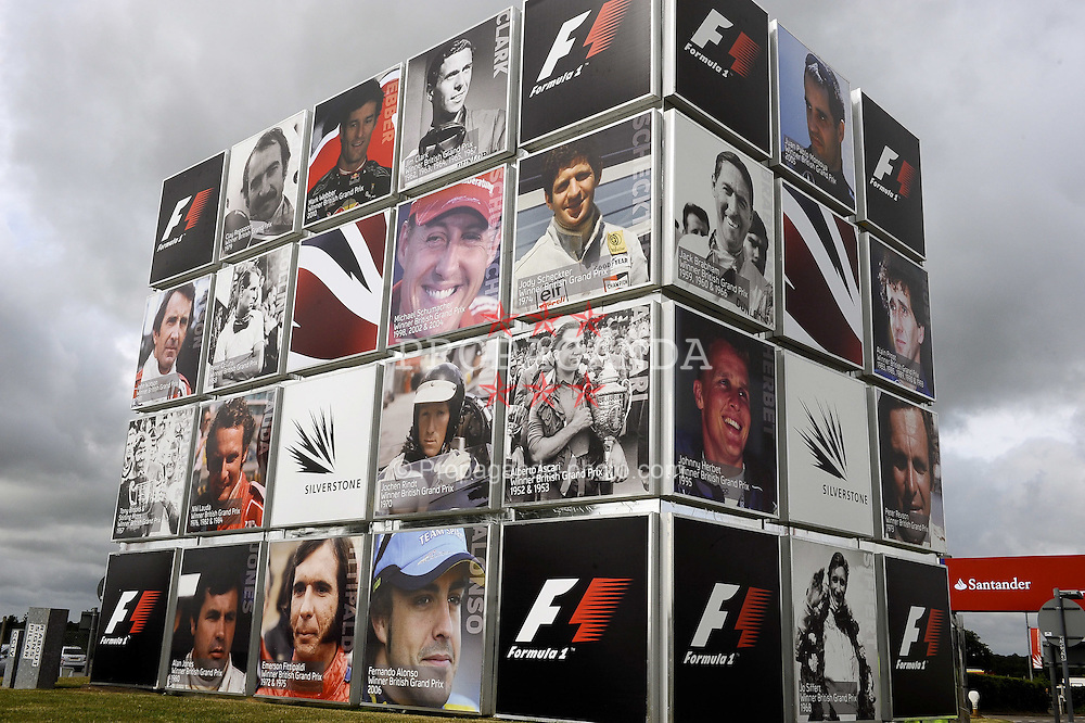 07.07.2011, Silverstone Circuit, Silverstone, GBR, F1, Großer Preis von Großbritannien, Silverstone, im Bild English F1 Grand Prix Impressions   EXPA Pictures © 2011, PhotoCredit: EXPA/ nph/  Dieter Mathis       ****** out of GER / CRO  / BEL ******