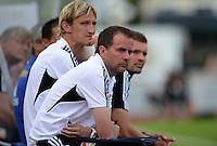 Fussball 1. Bundesliga:  Saison  Vorbereitung 2012/2013     Testspiel: Bayer 04 Leverkusen - FC Augsburg  25.07.2012 Trainer Trainer Sascha Lewandowski mit Teamchef Sami Hyypiae (v. li., Bayer 04 Leverkusen)