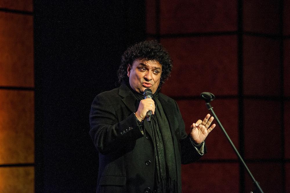 "Latin Music Productions presenta a Germain ""El Juan Gabriel Colombiano"" durante el Show de Erika de la Vega en el Grange City Hotel de Londres, Feb. 17, 2017 (Photos/Ivan Gonzalez)"
