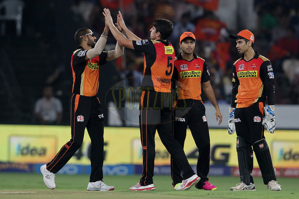 Moises Henriques of Sunrisers Hyderabad celebrates the wicket of Faf du Plesis of Rising Pune Supergiants during match 22 of the Vivo IPL 2016 (Indian Premier League ) between the Sunrisers Hyderabad and the Rising Pune Supergiants held at the Rajiv Gandhi Intl. Cricket Stadium, Hyderabad on the 26th April 2016<br /> <br /> Photo by Rahul Gulati / IPL/ SPORTZPICS