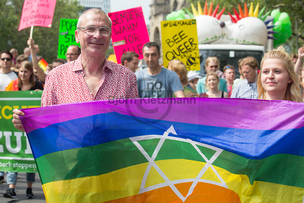 Berlin, Germany - 22.07.2017<br /> <br /> The green politican Volker Beck at the Christopher Street Day 2017 in Berlin. Hundreds of thousands of people protesting and celebrating the Berlin Pride<br /> <br /> Gruenen-Politiker Volker Beck auf dem Christopher Street Day 2017 in Berlin. Hunderttausende Menschen protestieren und feiern bei der Berlin Pride unter Motto &bdquo;Mehr von uns &ndash; jede Stimme gegen Rechts!&ldquo;<br /> <br /> Photo: Bjoern Kietzmann