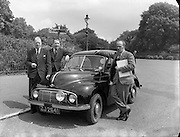 1000 Miles in 24 Hours Non Stop in a Morris Minor - Special at Gough Monument in Phoenix Park.29/06/1954