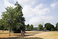 SERPENTINE PAVILION 2006, LONDON, W2 PADDINGTON, UK, REM KOOLHAAS - OFFICE FOR METROPOLITAN ARCHITECTURE, EXTERIOR, AFTERNOON SOUTH ELEVATION