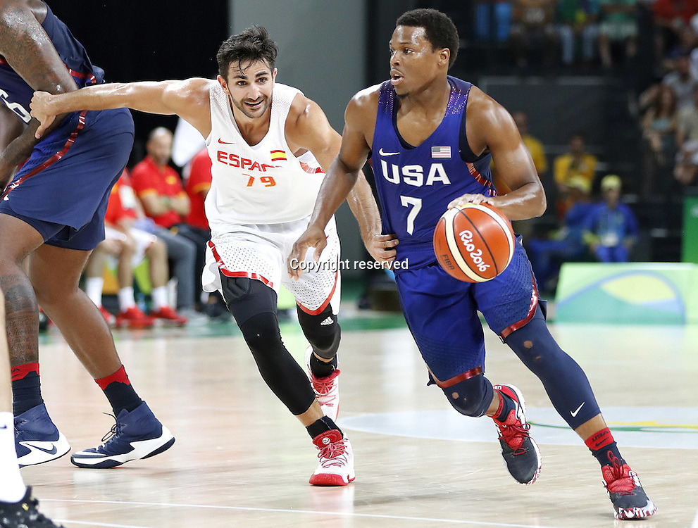 Rio 2016, Basketball Herren Halbfinale, USA - Spanien 19.08.2016. Rio de Janeiro, Brazil. Mens Basketball semi-final at the 2016 Rio Olympic Games. USA versus Spain.  Kyle Lowry (USA) drives around the corner . The USA won the game by a score of 82-76 to make the final.