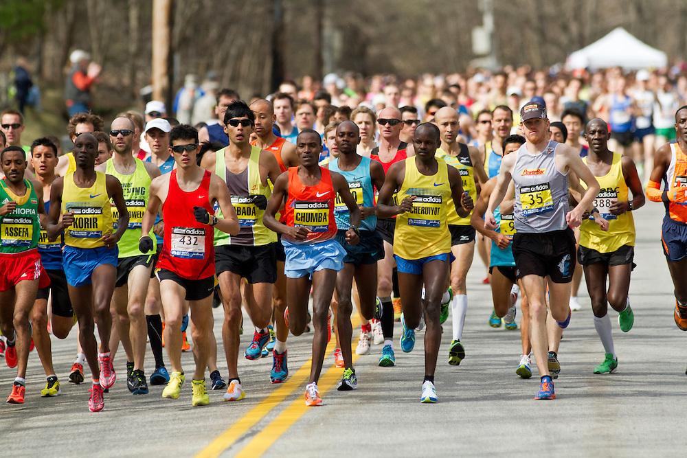 2013 Boston Marathon: elite men lead out 23,000 runners at start of marathon