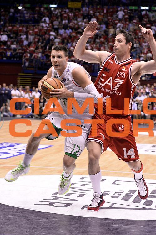 DESCRIZIONE : Milano Lega A 2013-14 EA7 Emporio Armani Milano  vs Montepaschi Siena playoff finale gara 2<br /> GIOCATORE : Matt Janning<br /> CATEGORIA : Penetrazione Sequenza Tiro<br /> SQUADRA : Montepaschi Siena<br /> EVENTO : finale gara 2 playoff<br /> GARA : EA7 Emporio Armani Milano vs Montepaschi Siena gara2<br /> DATA : 17/06/2014<br /> SPORT : Pallacanestro <br /> AUTORE : Agenzia Ciamillo-Castoria/GiulioCIamillo<br /> Galleria : Lega Basket A 2013-2014  <br /> Fotonotizia : Milano Lega A 2013-14 EA7 Emporio Armani Milano vs Montepasci Siena playoff finale gara 2<br /> Predefinita :