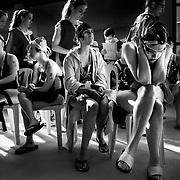 Tension dans la piscine juste avant le début des competitions, aux  Jeux Nationaux Special Olympics 2017 d'Italie, pour handicappés mentaux