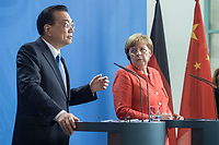09 JUL 2018, BERLIN/GERMANY:<br /> Li Keqiang (L), Ministerpraesident der VR China, und Angela Merkel (R), CDU, Bundeskanzlerin, waehrend einer Pressekonferenz zu den Ergebnissen der Deutsch-Chinesische Regierungskonsultationen, Bundeskanzleramt<br /> IMAGE: 20180709-02-053