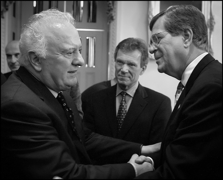 Sens. Trent Lott and Tom Daschle meet Eduard Schevernadze at the Capitol.  10/4/01..©PF BENTLEY/PFPIX.com