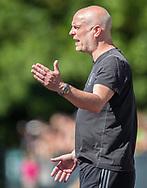 FODBOLD: Cheftræner Carsten Broe (Herlev) under kampen i Danmarksserien mellem Herlev Fodbold og Jægersborg Boldklub den 17. juni 2017 i Herlev Park. Foto: Claus Birch