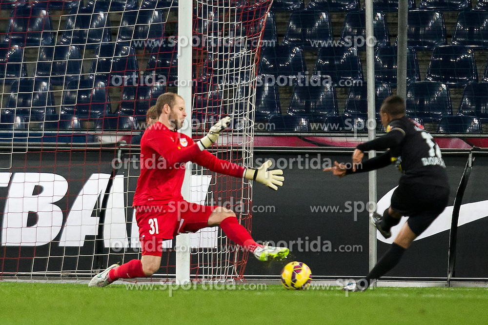 07.03.2015, Red Bull Arena, Salzburg, AUT, 1. FBL, FC Red Bull Salzburg vs SCR Cashpoint Altach, 24. Runde, im Bild v.l.: Peter Gulacsi (FC Red Bull Salzburg, #31), Ismael Tajouri, (SCR Altach, #17) // during Austrian Football Bundesliga 24th round Match between FC Red Bull Salzburg and SCR Cashpoint Altach at the Red Bull Arena, Salzburg, Austria on 2015/03/07. EXPA Pictures © 2015, PhotoCredit: EXPA/ JFK