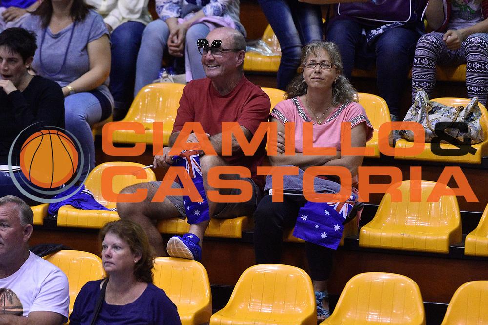 DESCRIZIONE : Caorle Amichevole Pre Eurobasket 2015 Nazionale Italiana Femminile Senior Italia Australia Italy Australia<br /> GIOCATORE : tifosi<br /> CATEGORIA : tifosi<br /> SQUADRA : Australia Australia<br /> EVENTO : Amichevole Pre Eurobasket 2015 Nazionale Italiana Femminile Senior<br /> GARA : Italia Australia Italy Australia<br /> DATA : 30/05/2015<br /> SPORT : Pallacanestro<br /> AUTORE : Agenzia Ciamillo-Castoria/GiulioCiamillo<br /> Galleria : Nazionale Italiana Femminile Senior<br /> Fotonotizia : Caorle Amichevole Pre Eurobasket 2015 Nazionale Italiana Femminile Senior Italia Australia Italy Australia<br /> Predefinita :