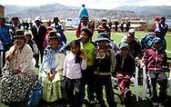 Abril y Mayo 2011/Bolivia<br /> Fan&aacute;ticos de la Lucha Libre como Mujeres t&iacute;pica de Bolivia conocidas como Cholitas y ni&ntilde;os gritan entretenidamente al observar la lucha<br /> <br /> Foto:Juan Gonzalez