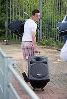 AMSTELVEEN - Scholieren met muziek op wieltjes. Geluidsintallatie.  Finales Nederlands Kampioenschap Schoolhockey 2014. FOTO KNHB/KOEN SUYK