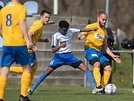 FODBOLD: Niclas Glud (Ølstykke FC) presses af Abdulkadir Abdullahi (Humlebæk) under kampen i Serie 2 mellem Ølstykke FC og Humlebæk Boldklub den 6. april 2019 på Ølstykke Stadion. Foto: Claus Birch.