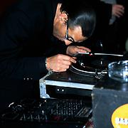 Premiere Naar de Klote, Jules Deelder als DJ achter de draaitafel