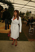 CAROL VOORDERMAN, Press Preview of the RHS Chelsea Flower Show sponsored by Saga Insurance Services. Royal Hospital Rd. London. 22 May 2006. ONE TIME USE ONLY - DO NOT ARCHIVE  © Copyright Photograph by Dafydd Jones 66 Stockwell Park Rd. London SW9 0DA Tel 020 7733 0108 www.dafjones.com
