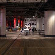 Vloerafwerking en betegeling door Intercodam bij Amsterdam Centraal station, Lil Club, Oost passage en winkels.