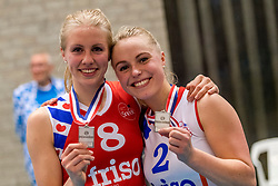 06-05-2017 NED: Finale play off Sliedrecht Sport - VC Sneek, Sliedrecht<br /> Sliedrecht is Nederlands kampioen 2016-2017 / Anniek Siebring #8 of Sneek, Janieke Popma #2 of Sneek