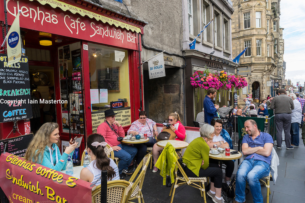 Busy cafe on High Street in Edinburgh during the Festival fringe in Scotland 2016, United Kingdom