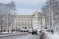 Buckingham Palace snow