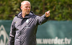 06.07.2010,Platz 05, Bremen, GER, 1. FBL, Training Werder Bremen , im Bild  Thomas Schaaf ( Werder  - Trainer  COACH)   EXPA Pictures © 2010, PhotoCredit: EXPA/ nph/  Kokenge / SPORTIDA PHOTO AGENCY