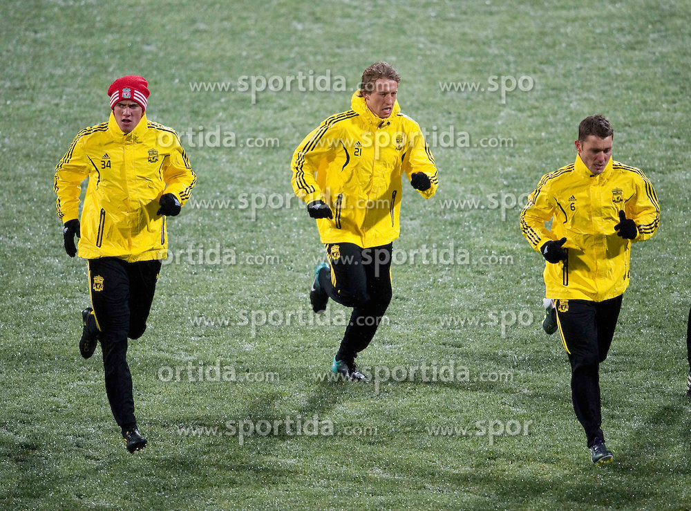 01.12.2010, Stadionul Steaua, Bucharest, ROM, UEFA Europa League, FC Steaua Bucuresti v Liverpool FC, training Liverpool, im BildLiverpool's Martin Kelly, Lucas Leiva and Fabio Aurelio training at the Stadionul Steaua ahead of the UEFA Europa League Group K match against FC Steaua Bucuresti. EXPA Pictures © 2010, PhotoCredit: EXPA/ Propaganda/ David Rawcliffe +++++ ATTENTION - OUT OF ENGLAND/UK +++++